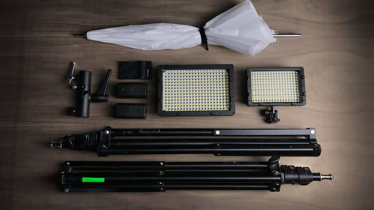 Best YouTube Lighting Kits 2019 – Buyer's Guide and Lighting Kits Reviews